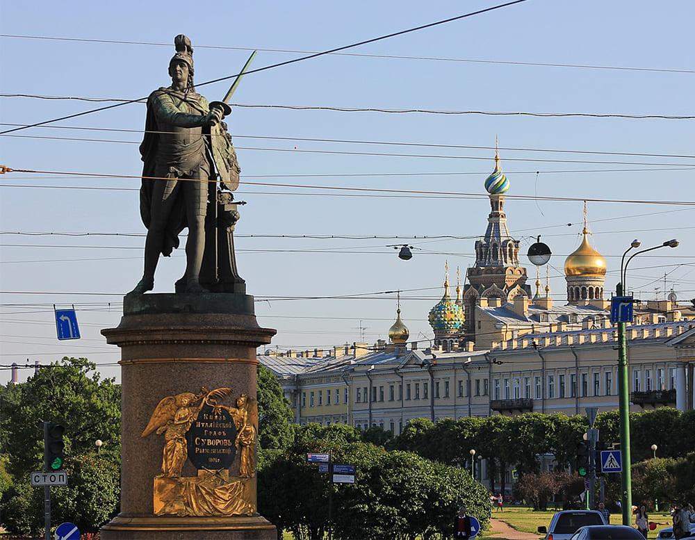 Памятник А.В. Суворову на Марсовом поле